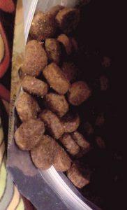 Гранулы сухого корма Pronature Holistic для кошек