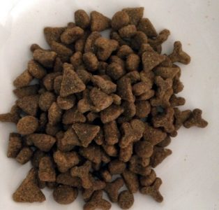 Гранулы корма для кошек Nutram