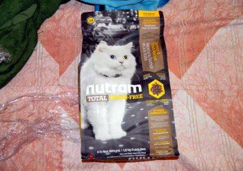 Отзыв о корме для кошек Нутрам